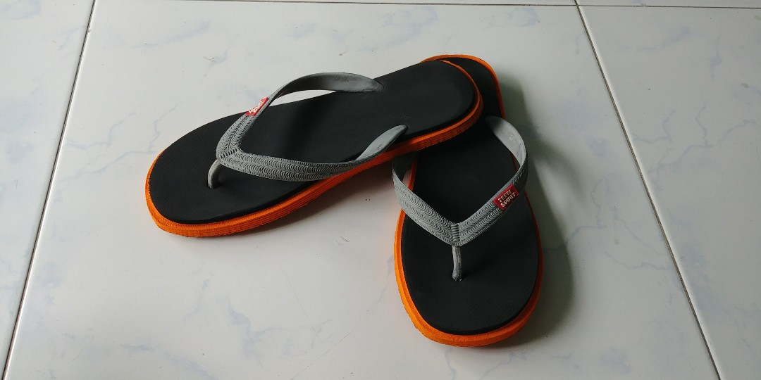 df062460f Free Giveaway Flip Flop   Bathroom Slippers