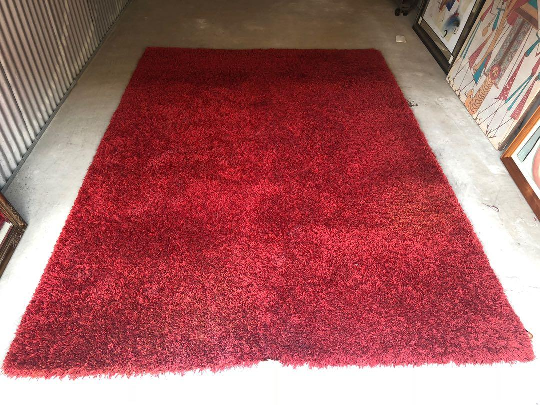 French-Made Red Rug (2mx1.9m)