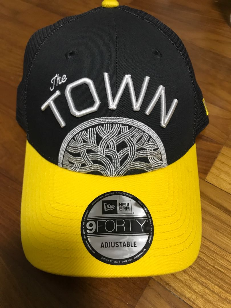 d1fc43e781bb1 Golden State Warrior New Era  The town split logo 9Forty structured ...