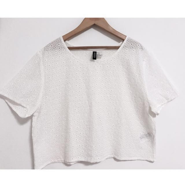 91b12947a13 H&M || White Crop Top, Women's Fashion, Clothes, Tops on Carousell