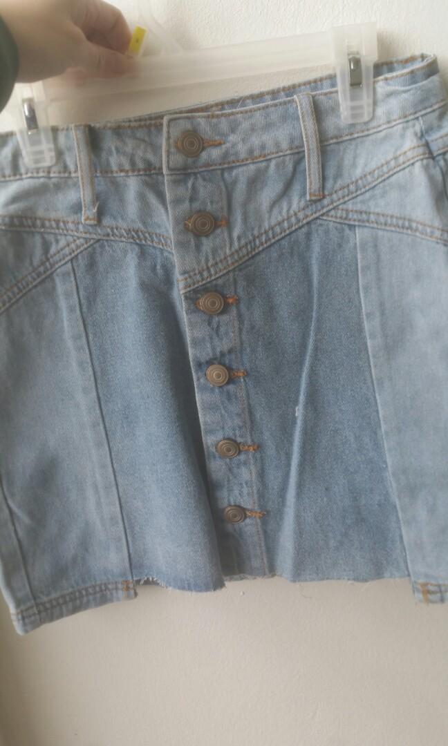 Mini Skirt size small Fasion Nova