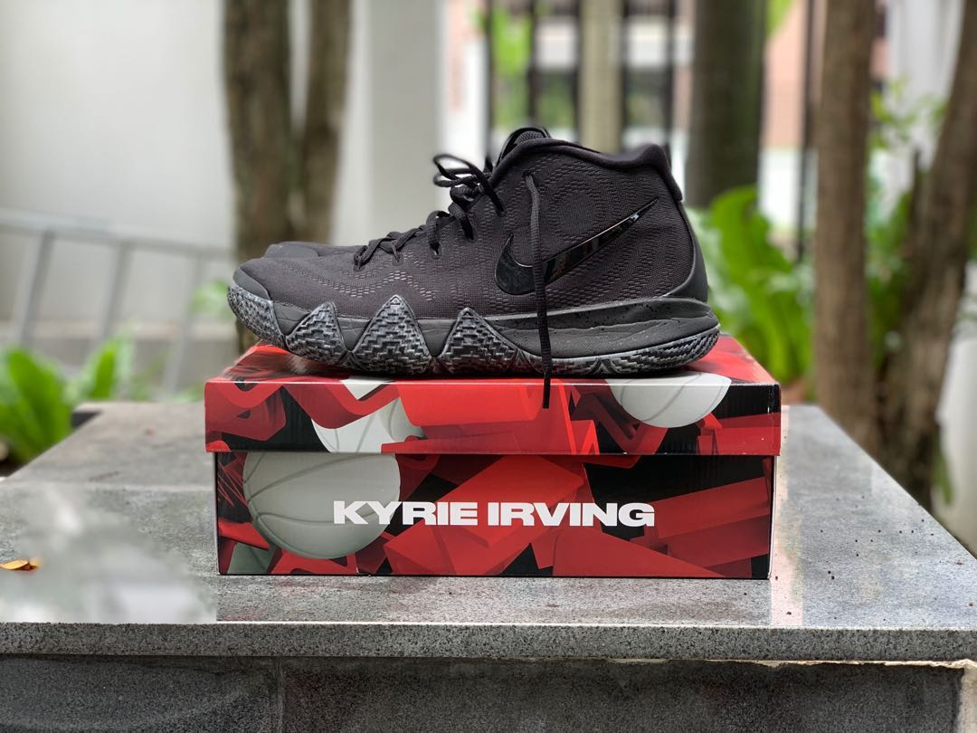 41404ca43417 Nike Kyrie 4 Triple Black US11.5