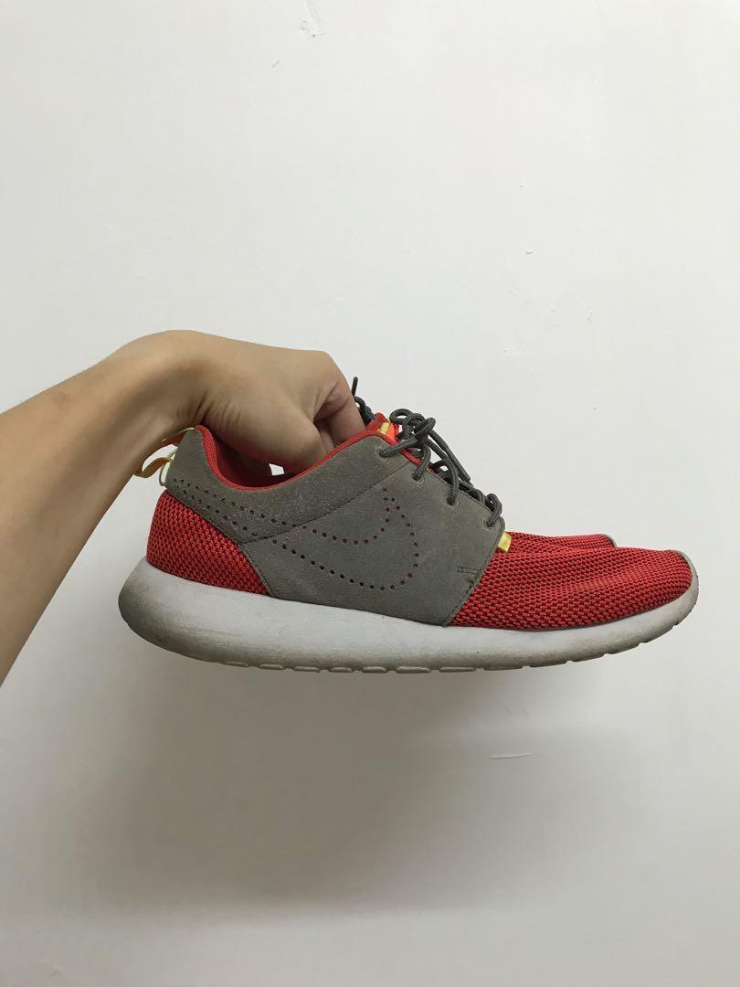 f90eb55b6efd Nike Roshe Run (Limited)