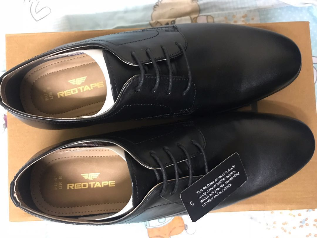 c93bf4f8bfaa Redtape Black Leather Formal Shoes, Men's Fashion, Footwear, Formal Shoes  on Carousell