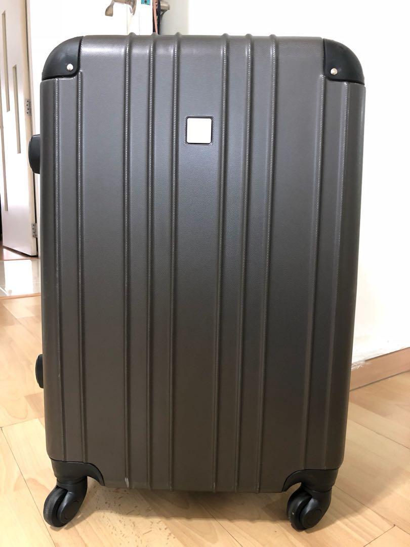 "c5a4ec836c Santa Barbara 24"" hard case luggage, Travel, Travel Essentials ..."