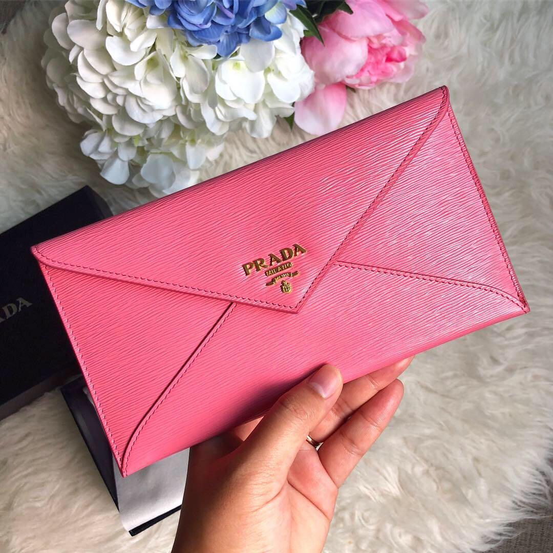 7a92bcdabea30a 💕💕So pretty in pink.💕💕 Prada envelope wallet in Pink Calfskin ...