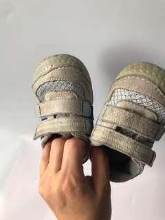 🚚 男女學布鞋