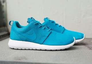 Authentic Nike Blue Roshe Runs 10.5