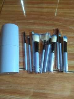 Kuas, brush 12 set tabung