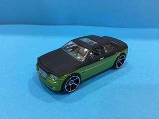 Hotwheels 1:64 Chrysler 300C