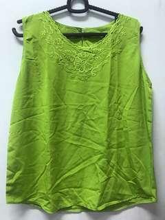 Floral Greenie top