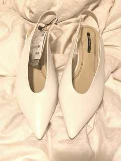 PRICEDROP!! Zara Basic White Leather Shoes