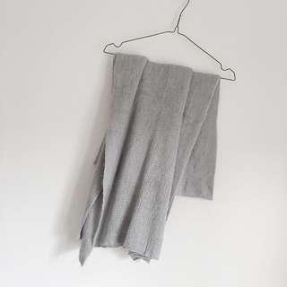 入秋必備 淺灰色保暖針織圍巾 #十月女裝半價