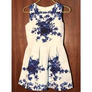 Printed Floral A-line Dress in White and Blue