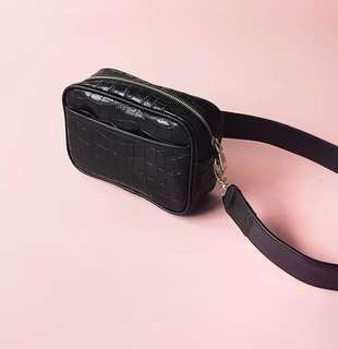 RUBBY SLING BAG BLACK