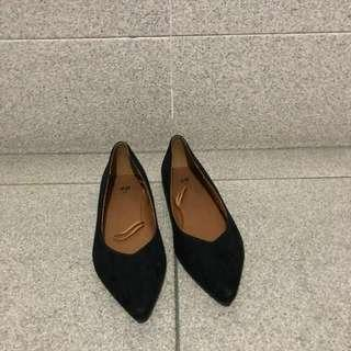 [PRICE REDUCED] H&M Faux Suede Pointed Toe Flats