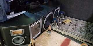 Toyota hiace Displayed rear woofer speaker and amp