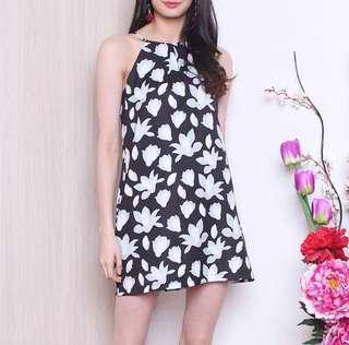 🚚 [NM] Halo Everyday Abstract Dress In Black Abstract