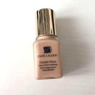 Estee Lauder Double Wear Foundation 粉底液 sample