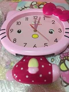 Hello Kitty 🐱 wall clock