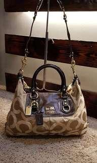 COACH TWO WAY BAG...ON HAND GUARANTED 100% RANK AB 5,000 php Medium size Sign of usage. Pm me tnx