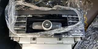 Mercedes e250 audio unit. free screen holder