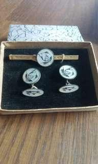 Vintage Mother of pearl  tie bar and cuff links
