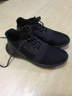 acupuncture 黑色波鞋