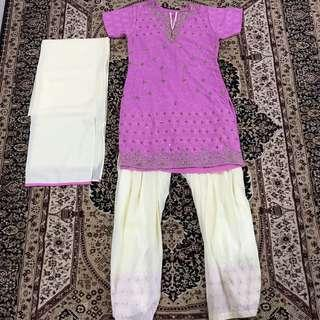 🌟Weekend Sale🌟 Beaded Punjabi Suit
