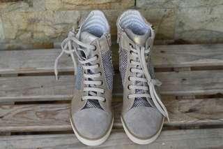 Sepatu Lumberjack Sneakers High Heels  #MauIphoneX