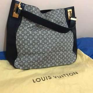 LV tote Rendezvous