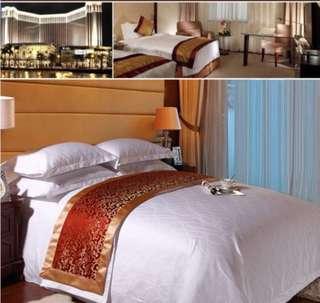 Five Stars Hotel White Bedding Set