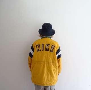 🚚 Nike黃色鋪棉大Logo風衣外套🔥賣場商品任選兩件9折 3件85折🔥