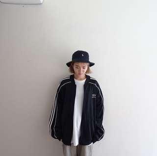 🚚 Adidas黑色棒球外套🔥賣場商品任選兩件9折 3件85折🔥
