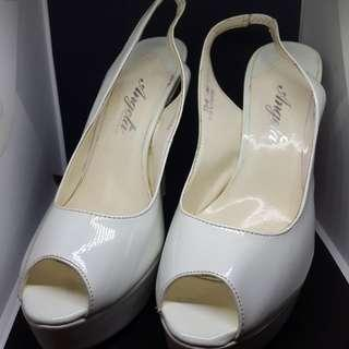 🚚 天使後空繫帶白色高跟鞋!絕對性感38,24尺碼