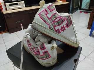 🚚 DCSHOECOUSA女鞋
