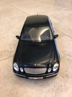 E Class model car