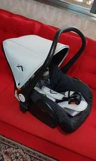 Looping car seat & Carrier (0+ months to 13kg)
