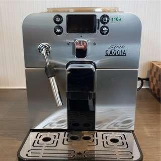 出清價19000...GAGGIA Brera HG7248 全自動咖啡機 +送 CafeDetTiamo HG2409奶泡機+送八組咖啡杯盤(插頭為比例尺非販售品)