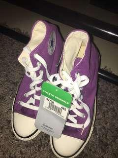 SUPERSALE!!!!!! Authentic Converse