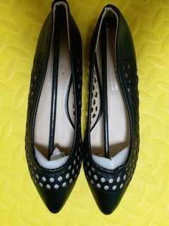 全新平底鞋