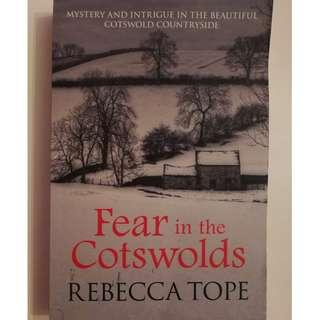 🚚 FEAR IN THE COTSWORLDS ( REBECCA TOPE)