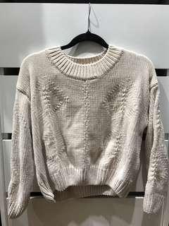 Beige pink knitwear