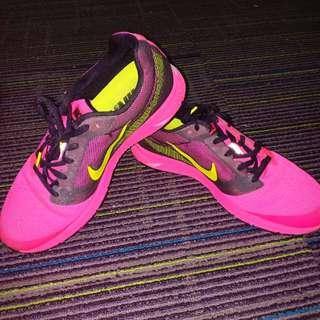 Nike Zoom Fly 2 running shoes