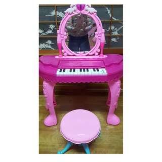 【二手品】9成新鋼琴鍵盤聲光音樂梳妝台玩具/扮家家酒/幼兒早教/化妝台/電子琴玩具