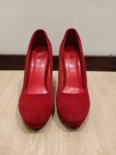 Ruby Red Gamuza
