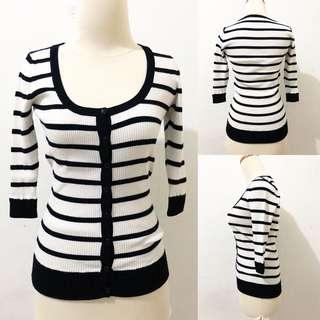 Stripe Cardigan fit body