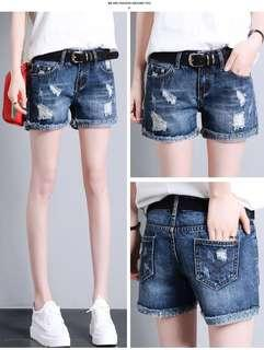 Brand new Short jeans-size 29
