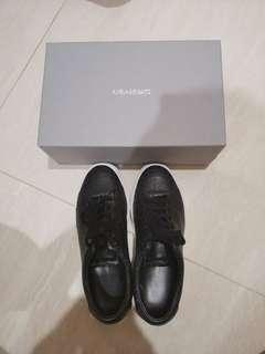 Axel Arigato clean 90 embossed leather UK6