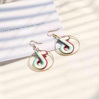 🚚 Po: TikTok famous loop earrings